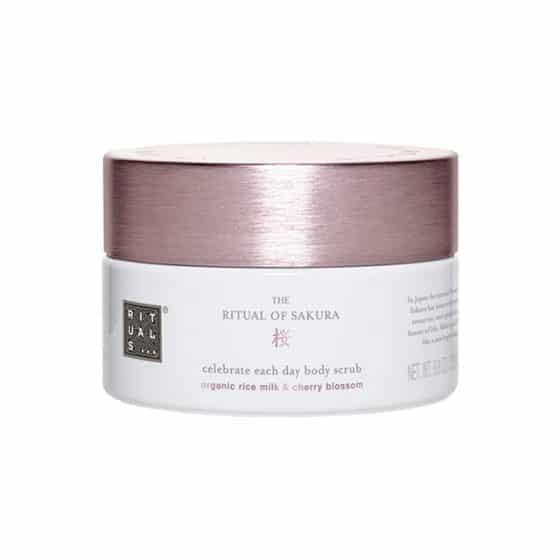 Exfoliant de corp Ritual of Sakura 250ml